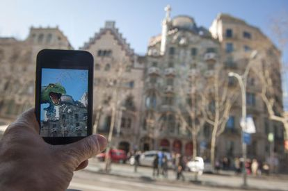 An app to help tourists see the sights in Barcelona.