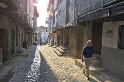 The cobbled streets of San Martín de Trevejo (Cáceres).