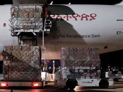 A plane carrying 60 tons of medical supplies arriving at Valencia airport.