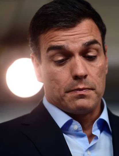 PSOE leader Pedro Sánchez is putting his leadership to the vote on October 23.