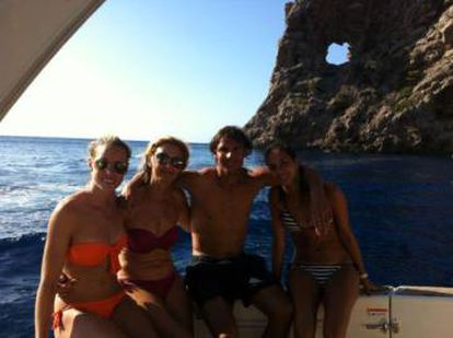 Rafa Nadal fishing with his mother and girlfriend Xisca.
