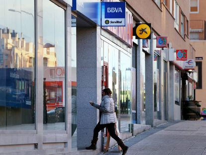 Bank branches in Madrid.