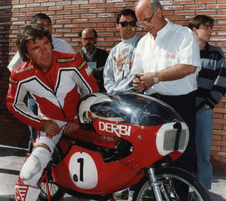 """Spanish world champion Ángel Nieto back in the day with a """"red bullet""""."""