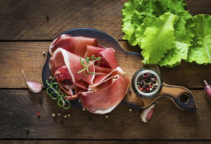 Experts agree that 'jamón ibérico' is so good that it's best eaten just as it is.