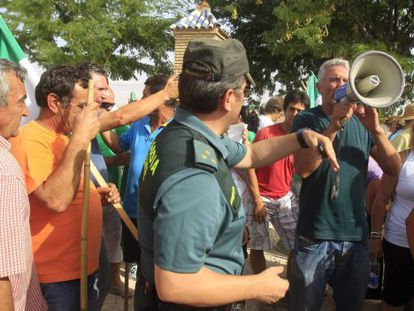 Fifty or so laborers were evicted from Las Turquillas estate in Osuna on Friday.