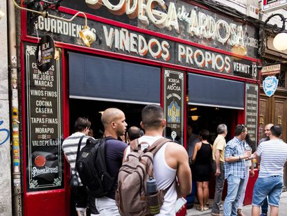 Bodega de la Ardosa, in the Madrid neighborhood of Malasaña, which will be one of the busiest in Madrid during World Pride, from June 23 to July 2.